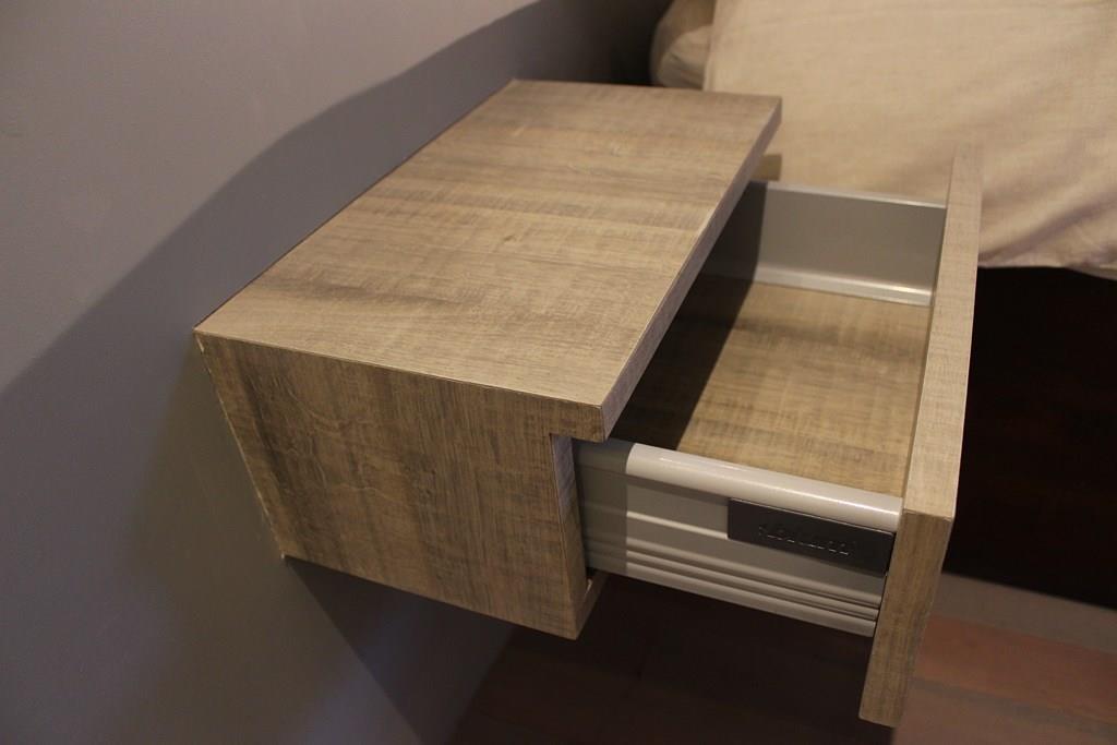 Pin tete de lit chevet et etagere photo dr entre la - Tete de lit avec chevet suspendu ...