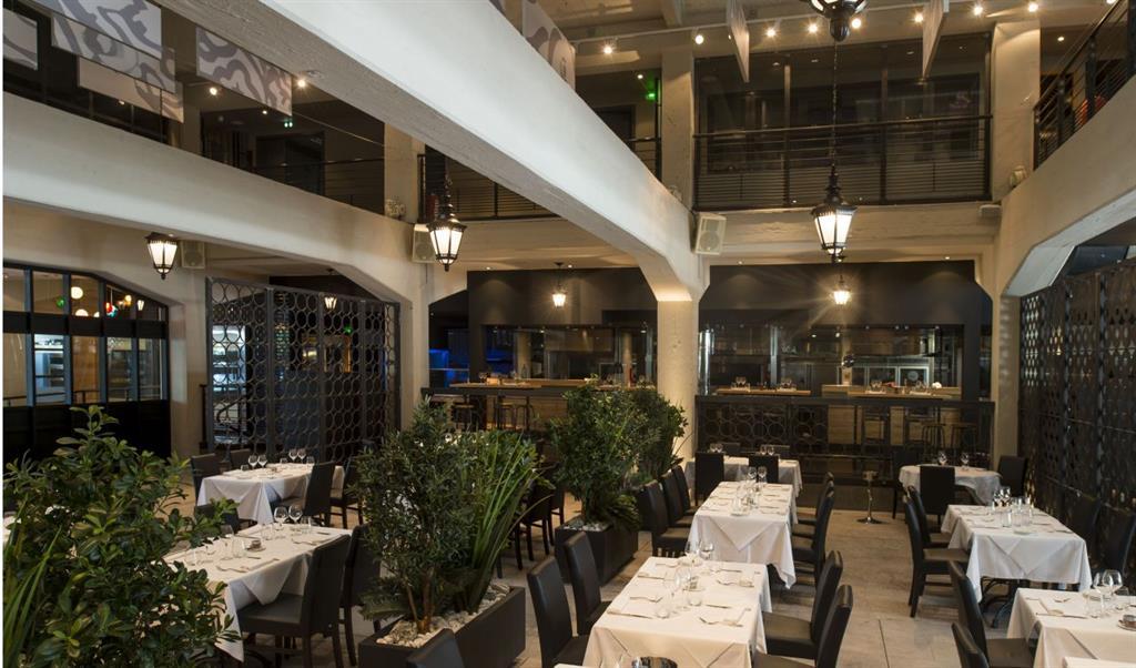 Magnifique hauteur sous plafond pour ce restaurant - Hauteur minimum sous plafond ...