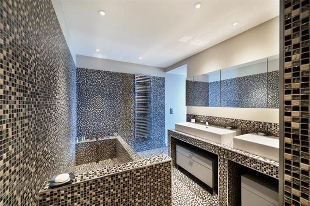 d coration salle de bain mosaique. Black Bedroom Furniture Sets. Home Design Ideas