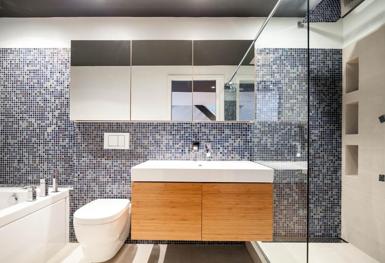 salle de bain mosaique blanche avec des id es int ressantes pour la conception de. Black Bedroom Furniture Sets. Home Design Ideas