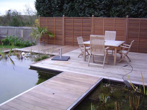 bassin jardin bois images. Black Bedroom Furniture Sets. Home Design Ideas