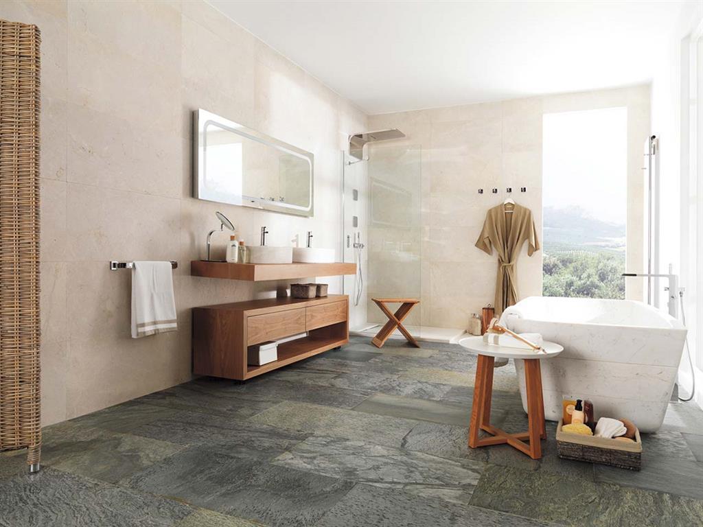 laspect brut et chatoyant de lardoise dans une salle de bain - Salle De Bain Ardoise Et Pierre