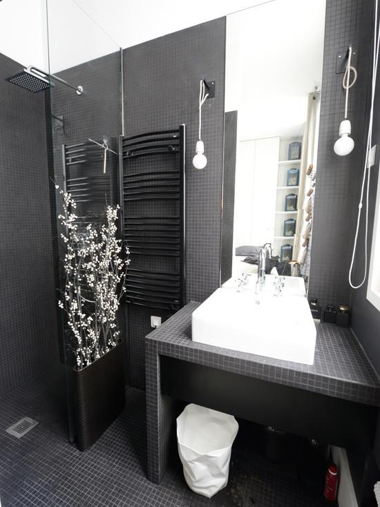 salle de bain en mosa que matte gris fonc edouard vigreux. Black Bedroom Furniture Sets. Home Design Ideas
