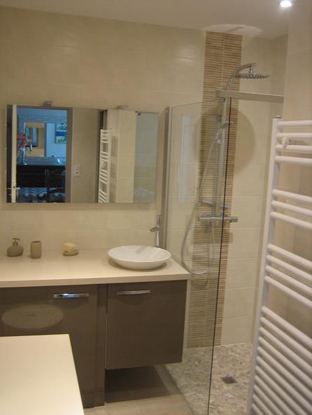 salle de bain aux couleurs taupebeige loic delabre - Salle De Bain Taupe