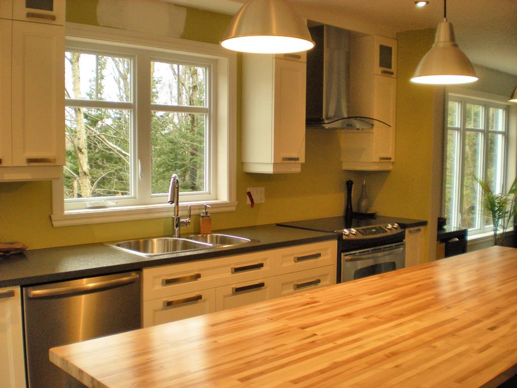 Cuisine moderne avec ilot centrale maisons la prise
