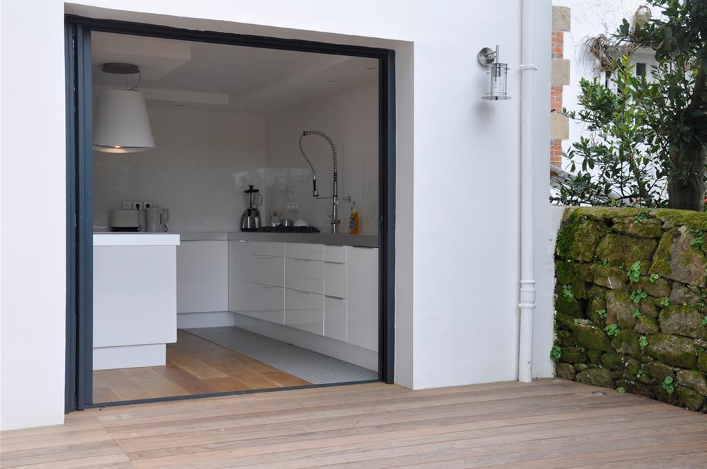 Mezzanine Chambre De Bonne :  dune maison des annes lile  Cuisine Moderne Dans Maison Ancienne