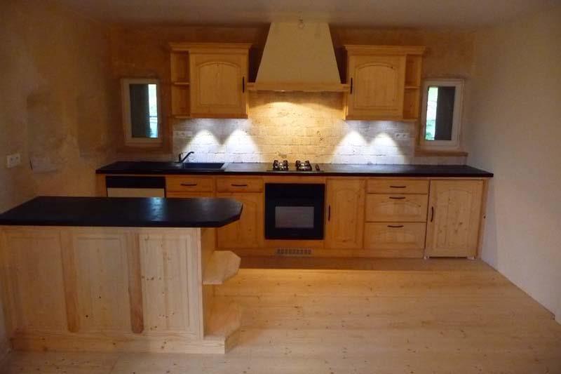 Image Bois Clair : Image Harmonie de bois clair dans cette petite cuisine Ebenisterie