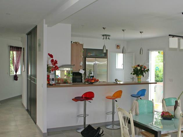 Peinture de cuisine couleur pour cuisine avec bar et - Photos de cuisine americaine avec bar ...