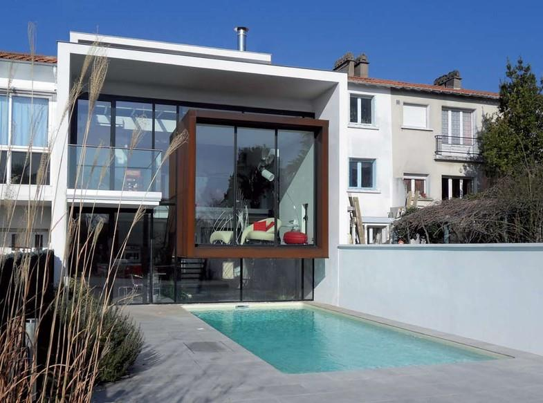 Surprising Maison Moderne Bow Window Gallery - Best Image Engine ...