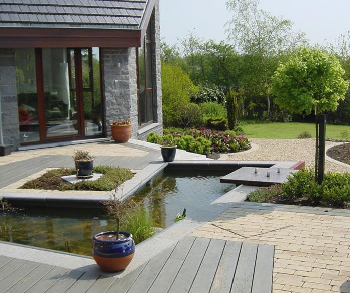 308509-jardin-moderne-jardin-avec-bassin-allee.jpg