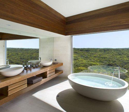 Salles de bains avec vue par beno t peyrat - Salle de bain moderne avec baignoire ...