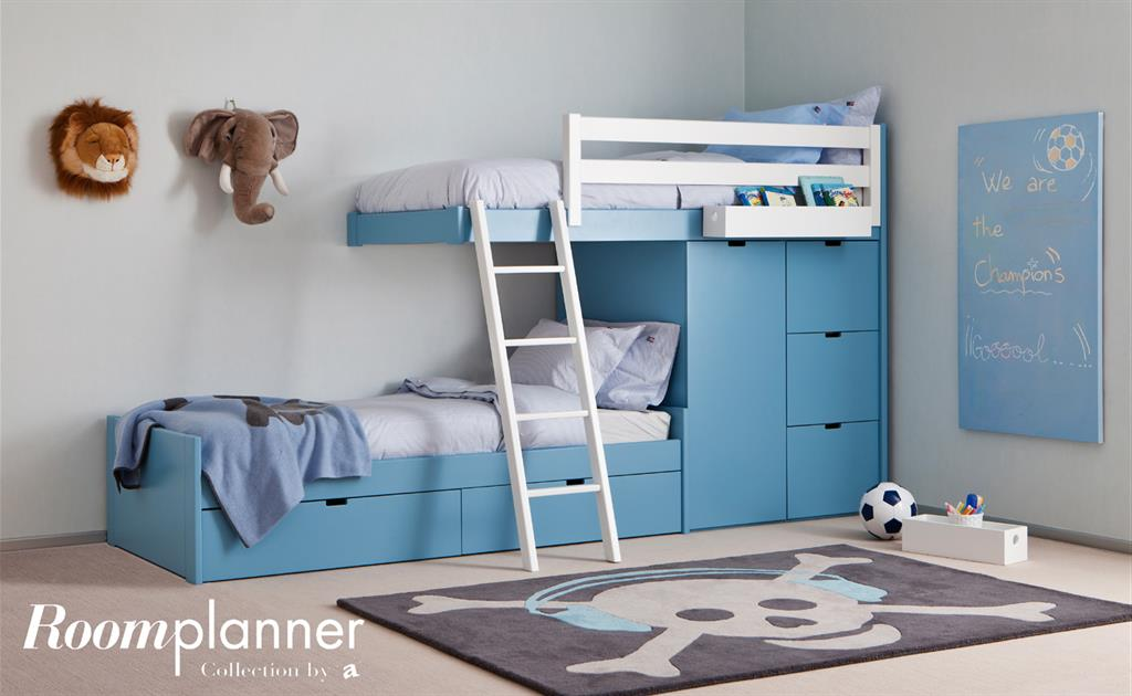 chambre d 39 enfant bleue avec lits superpos s design et rangements. Black Bedroom Furniture Sets. Home Design Ideas