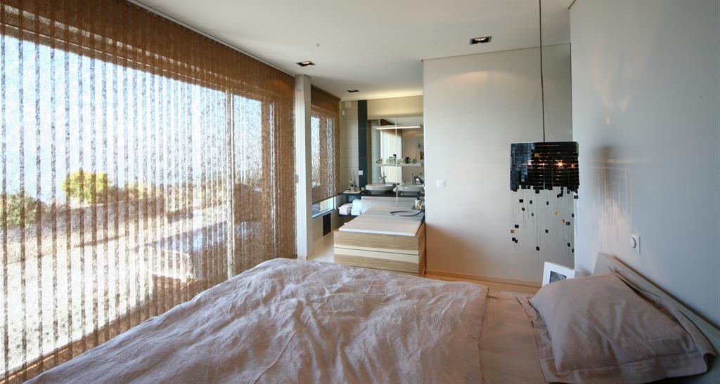 379051 chambre design et contemporaine chambre adulte ouverte surjpg salle de bain - Salle De Bain Ouverte Sur Chambre Design