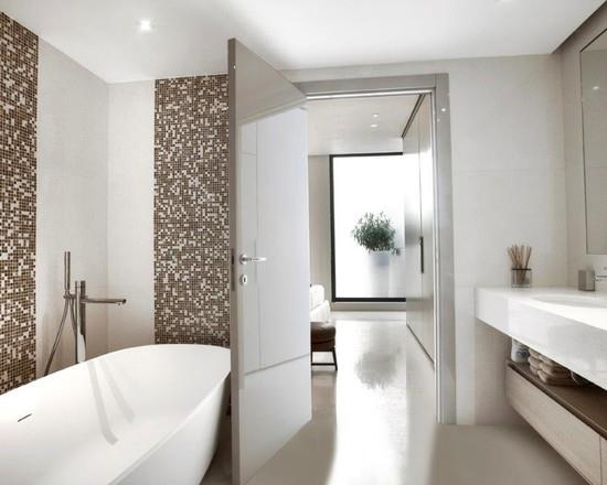 Emejing salle de bain blanche et marron images awesome interior home satellite for Salle de bain mosaique