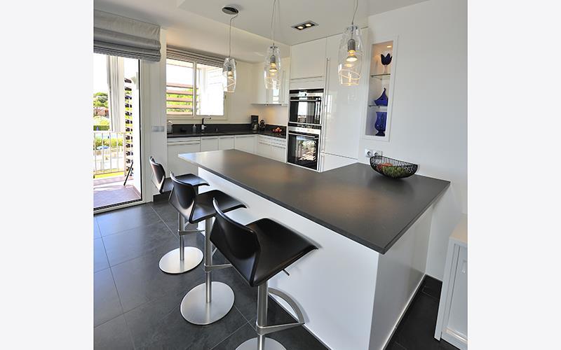 bien aim petite cuisine ouverte avec bar me11 jornalagora kg59