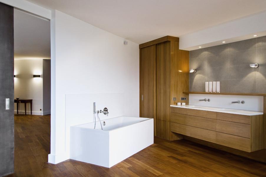 398984-salle-de-bain-moderne-grande-salle-de-bain.jpg