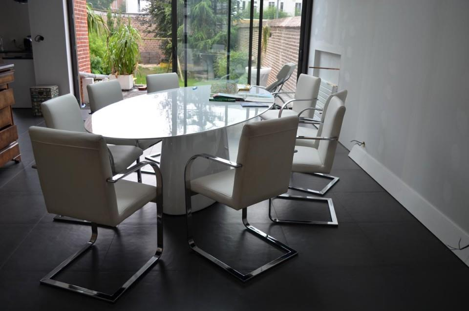 Salle manger table ovale en verre teint so lo home human care - Tables en verre salle a manger ...