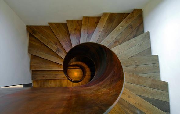 418654-escalier-design-et-contemporain-escalier-en-colimacon.jpg