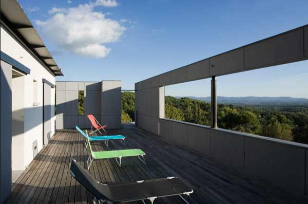 terrasse en hauteur vue sur le paysage nathalie merveille. Black Bedroom Furniture Sets. Home Design Ideas