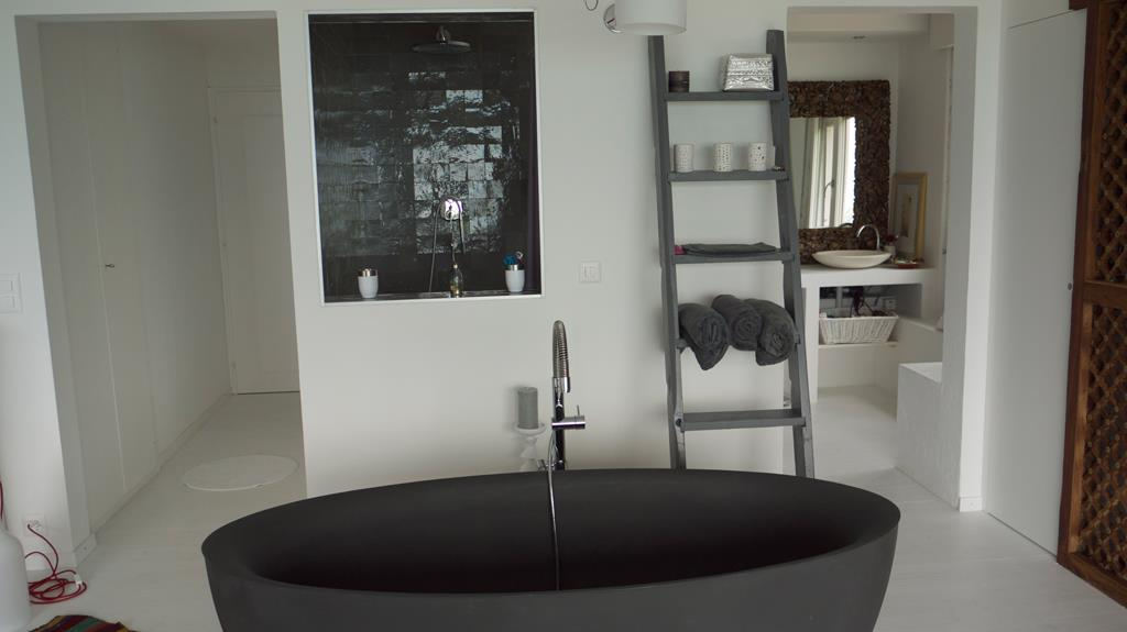 8 id es d co pour une salle de bains zen par marion arnoud. Black Bedroom Furniture Sets. Home Design Ideas
