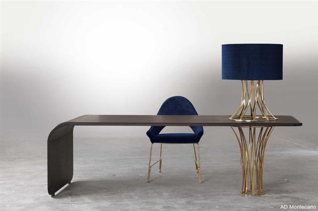 Bureau en bois cintr avec lampadaire int gr ad monte carlo - Bureau bois design contemporain ...