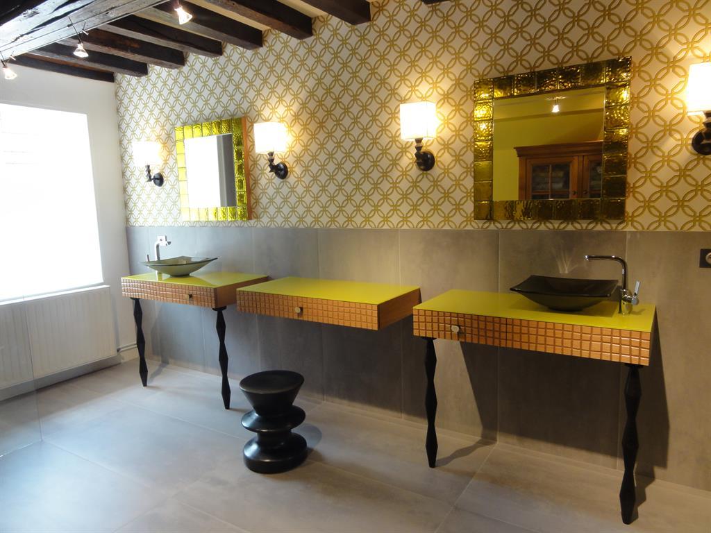 salle de bain jaune et blanche lombards les couleurs chaudes et les couleurs froides en dcoration - Salle De Bain Jaune Et Turquoise