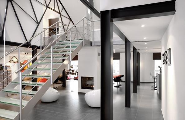 Escaliers modernes par for Escalier ouvert salon