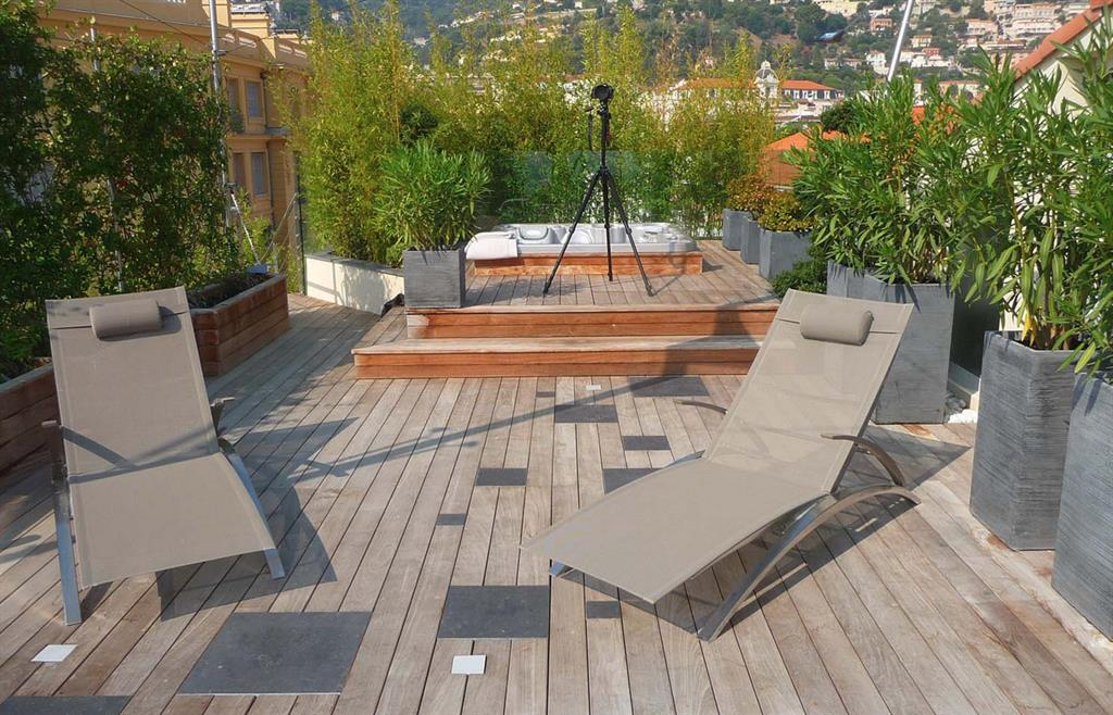 jacuzzi bois exterieur pour terrasse. Black Bedroom Furniture Sets. Home Design Ideas