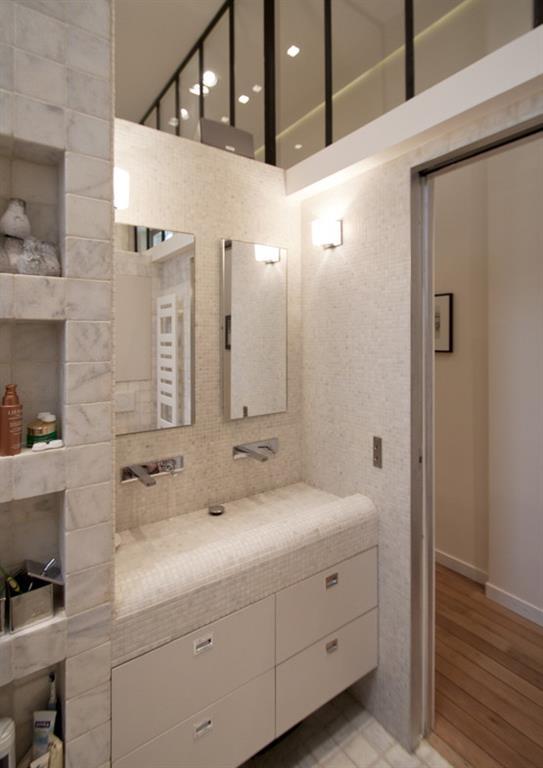 image salle de bain en mosaque blanche gris clair feld architecture - Salle De Bain Mosaique Blanche