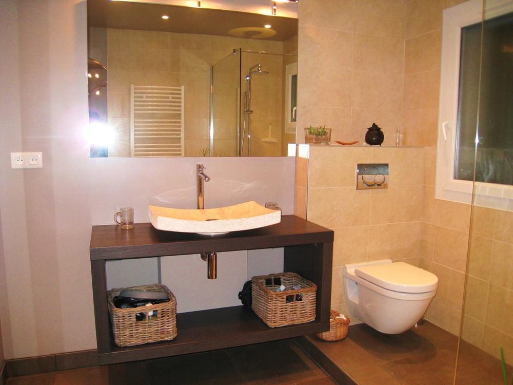 Salle de bain avec toilette aur le cl ostrate photo n 64 - Toilette salle de bain ...