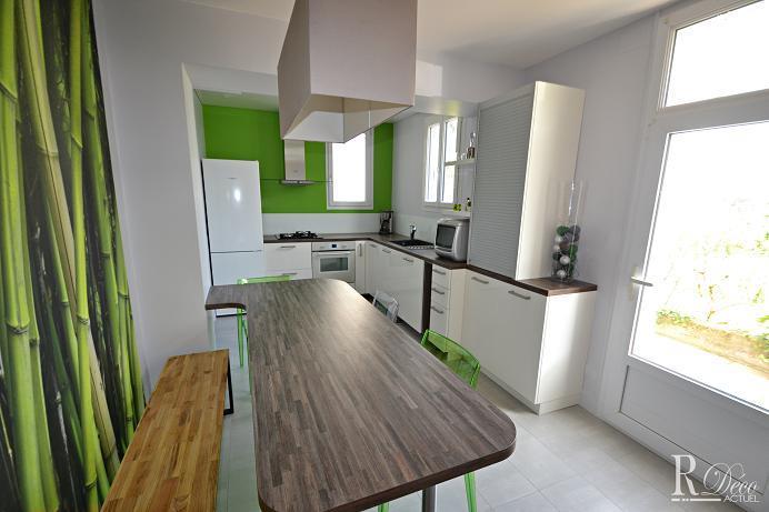 Cuisine blanche rehauss e par le bois et le vert sylvie briand - Cuisine blanche et verte ...