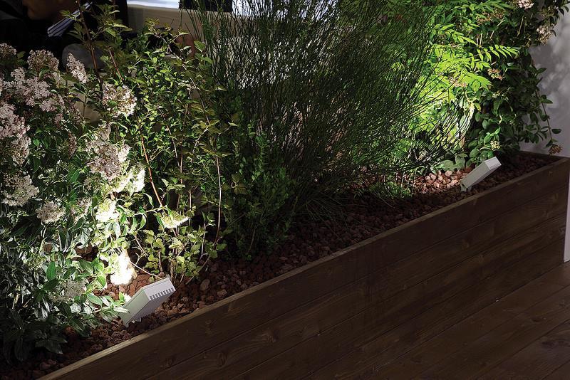 Eclairage Exterieur Moderne Idees Jardin ~ Avec deux chaises et une ...