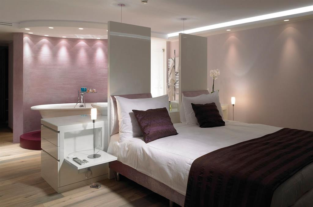 D co combles mauve for Chambre parentale comble