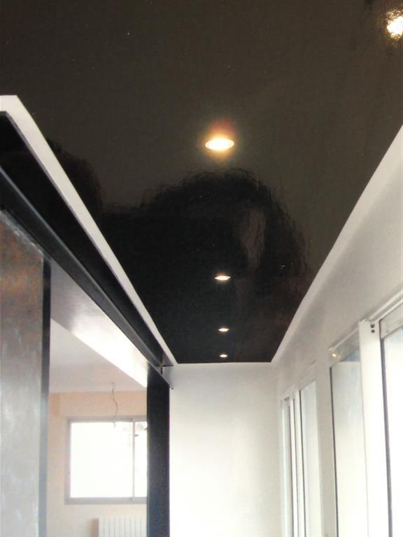 Design salle de bain plafond noir 11 mulhouse jardines - Deco couloir noir et blanc ...