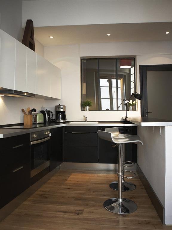 Appartement paris 6 me - Cuisine chene clair contemporaine ...
