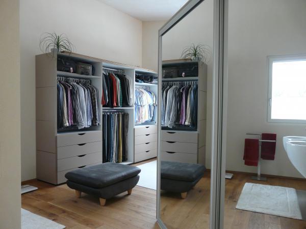 cr er un dressing astuces et id es de rangements par marion arnoud loherst. Black Bedroom Furniture Sets. Home Design Ideas