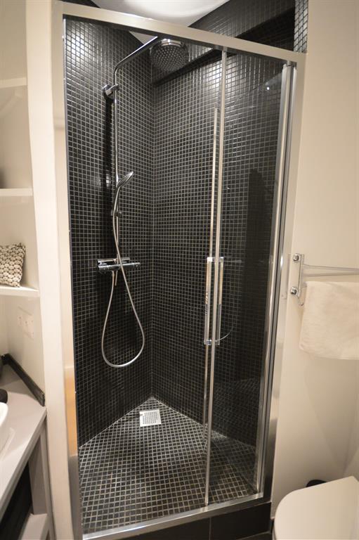 Mosa que noire dans la douche parisdinterieur photo n 05 - Moisissure noire douche ...