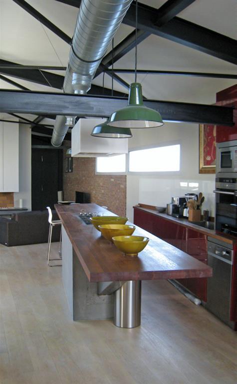 Cuisine loft avec structure assum e philippe ponceblanc for Cuisine moderne loft