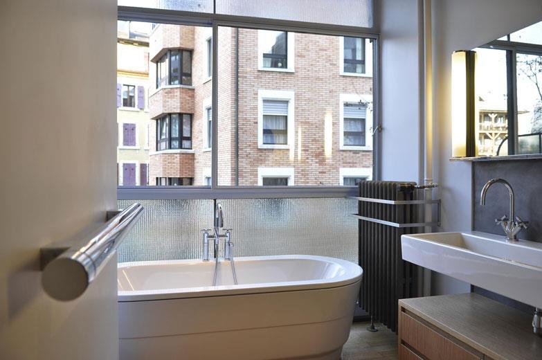 Salle de bain grande baignoire ~ Solutions pour la décoration ...