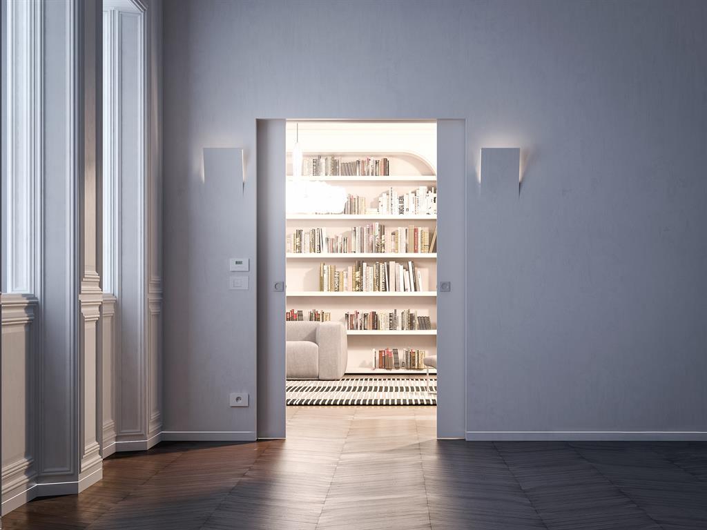 Porte Coulissante Avec Appliques Murales Dans Un Int Rieur