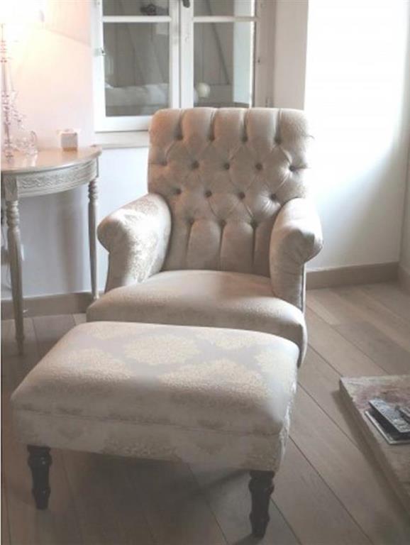 Salon Moderne Fauteuil: Salons noirs et blancs. Decorez votre salon ...
