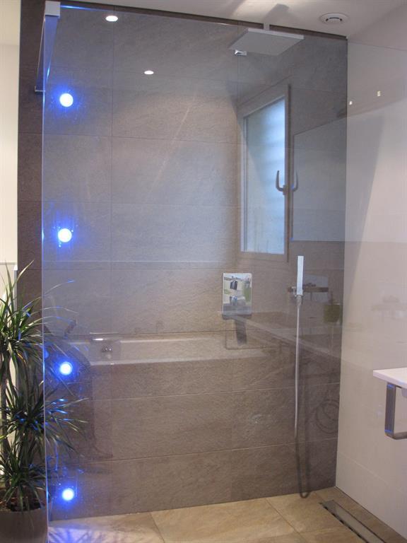 Ambiance zen pour cette salle de bain marie pierre terradas - Ambiance zen salle de bain ...