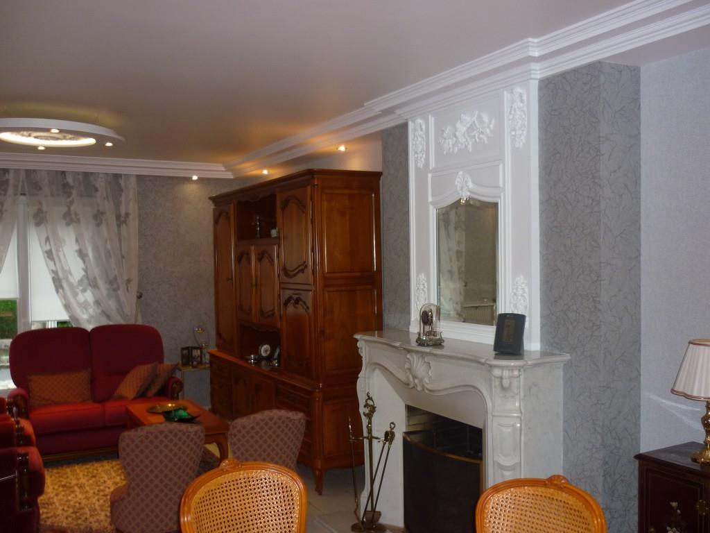 Deco Salon Classique : 632411-salon-classique-salon-classique-cheminee ...