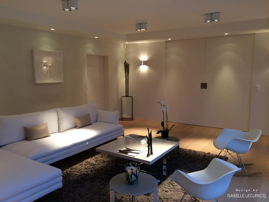 Salon marocain moderne blanc laque for Salon sejour contemporain