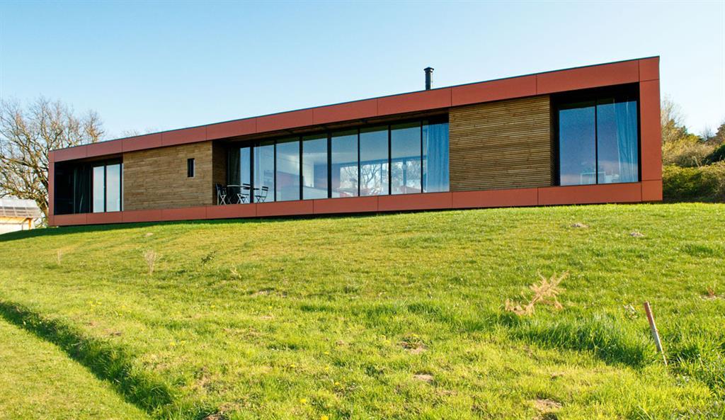 Les b n fices de l 39 isolation en paille pour les maisons contemporaines ex - Maison en paille porteuse ...