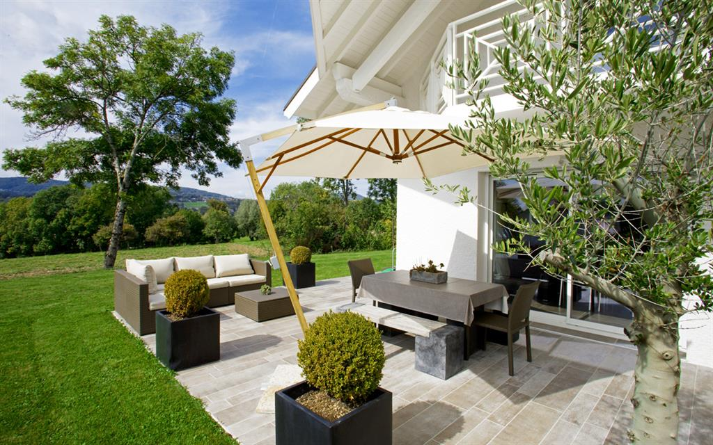 Id e terrasse taupe for Idee amenagement terrasse exterieure