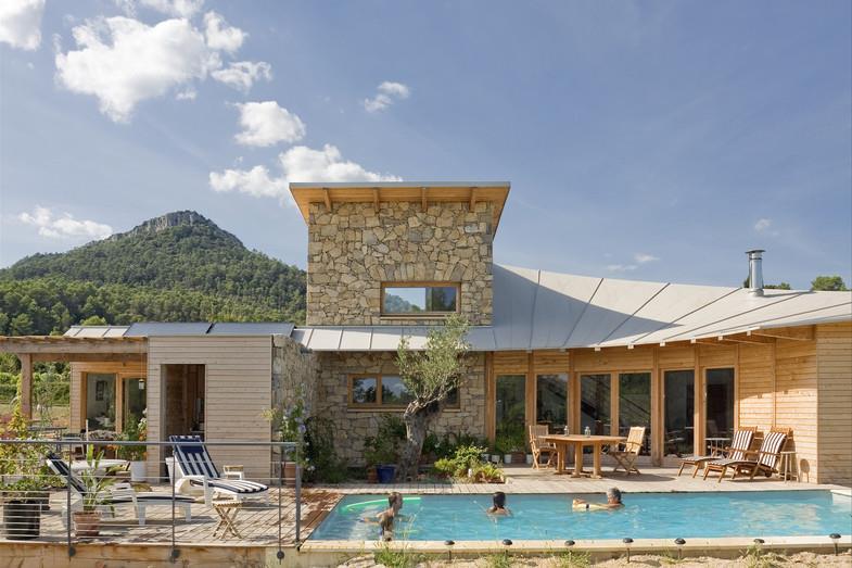 Maison et studio attenant en pierre et bois pelus m guin - Maison bois et pierre ...