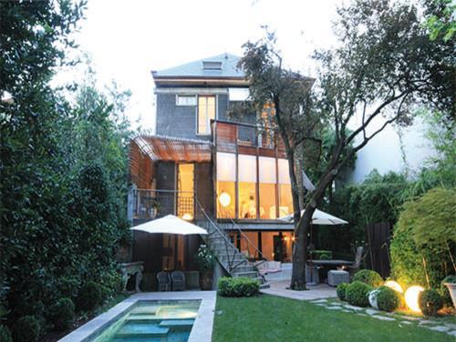 image maison de ville avec verrire sur jardin et piscine buildings - Maison Moderne Ville
