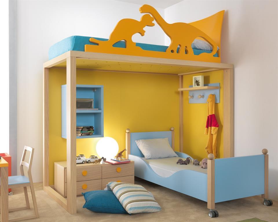 ambiance dinosaures dans cette chambre mixte bleue et jaune avec lit mezzanine deuxime lit en - Deco Chambre Mixte Fille Garcon