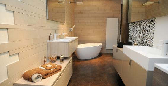 grande salle de bain beige et marron bains d co - Salle De Bain Moderne Beige